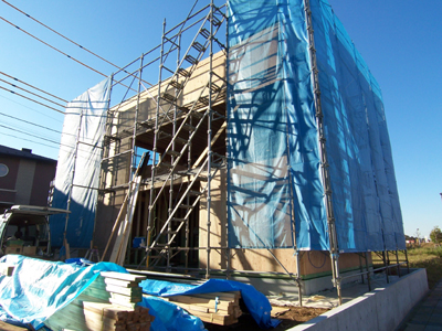 引戸レール がセット完了。土間コンクリートの打設も準備万端