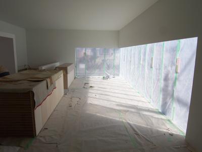 キッチン と ワークデスク の搬入。特注家具にて製作しました