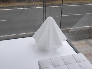 """倉俣史朗 デザインのランプ""""オバQ""""がマッチしています"""