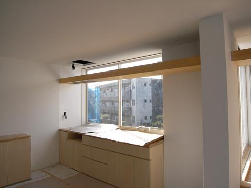 外部に開放的なキッチン
