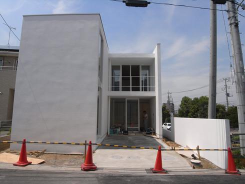 工事が完了した玄関アプローチ