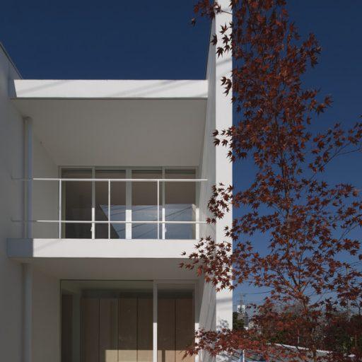 川口の白い家