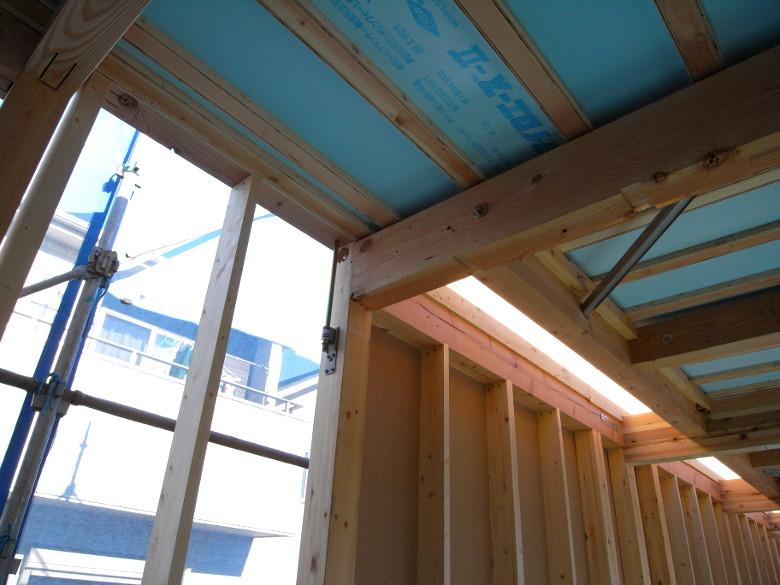 施工途中の構造用耐力面材