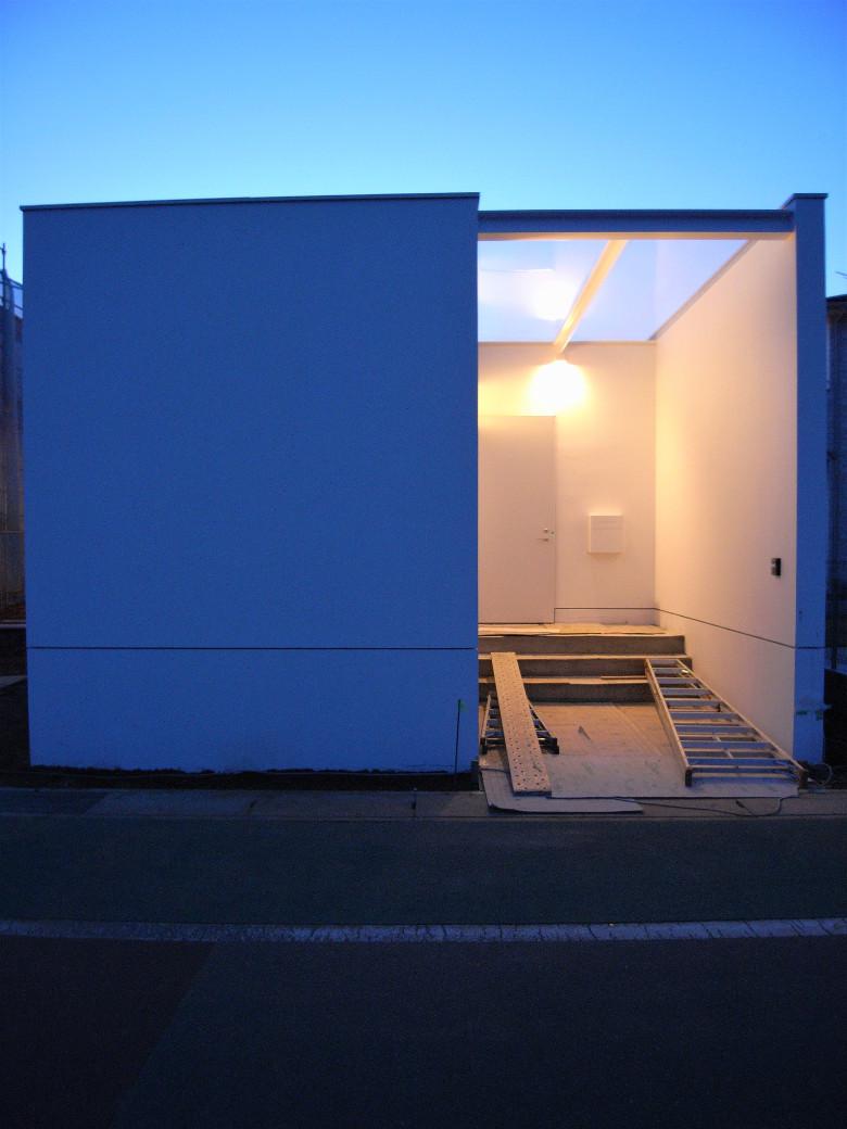 ゆめみ野の家の玄関照明