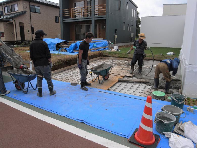駐車場の配筋及びコンクリート打設を行いました | ゆめみ野の家